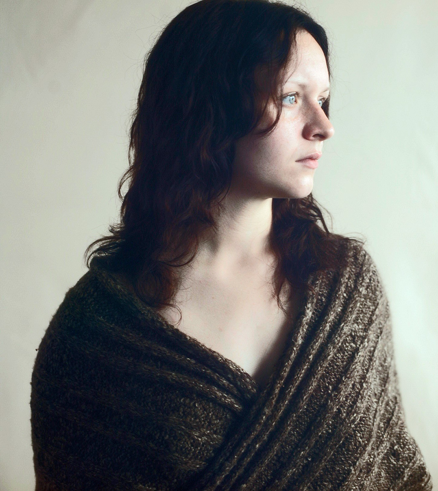 Girl-Shawl-Window-Thumbnail